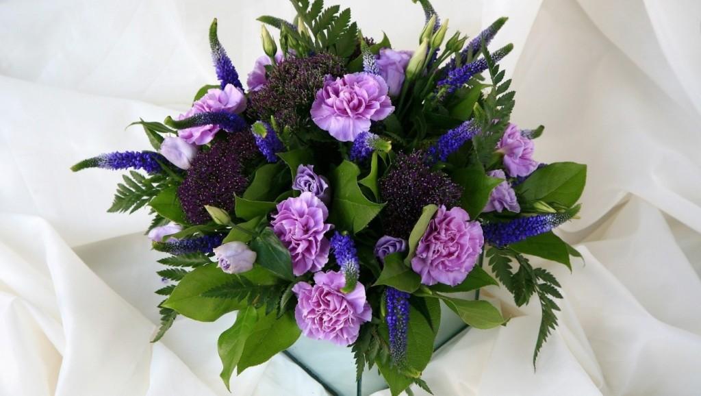 Cách cắm hoa cẩm chướng đẹp và tươi lâu nhất
